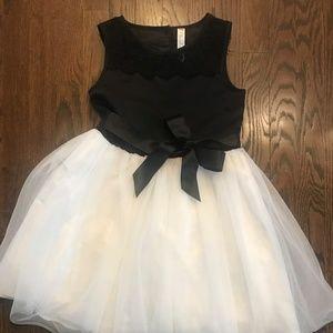 Girls Beautiful Black/White Dress